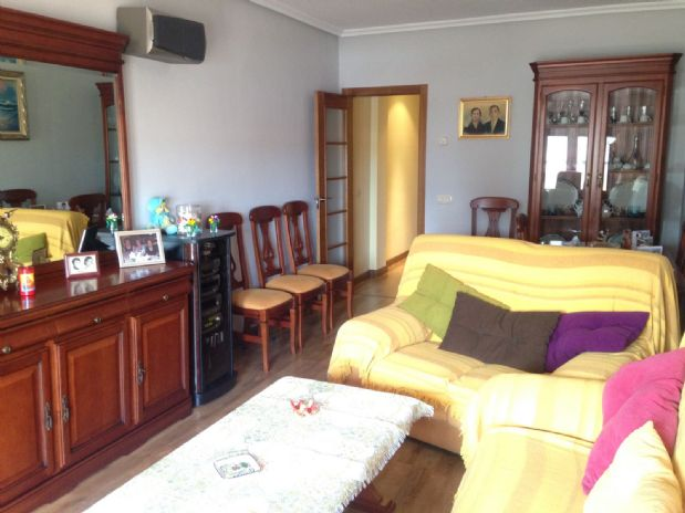 Piso en venta en Tomelloso, Ciudad Real, Calle Socuellamos, 120.000 €, 3 habitaciones, 2 baños, 120 m2