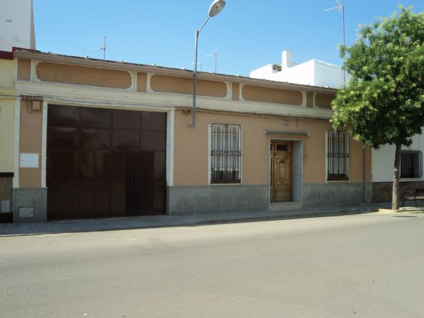 Casa en venta en Tomelloso, Ciudad Real, Calle Alfonso Xii, 150.000 €, 5 habitaciones, 2 baños, 320 m2