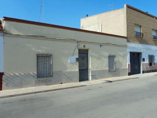 Casa en venta en Tomelloso, Ciudad Real, Calle Carlos Iii, 65.000 €, 4 habitaciones, 1 baño, 230 m2