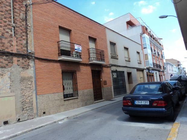 Casa en venta en Tomelloso, Ciudad Real, Calle Calvario, 330.000 €, 6 habitaciones, 2 baños, 400 m2