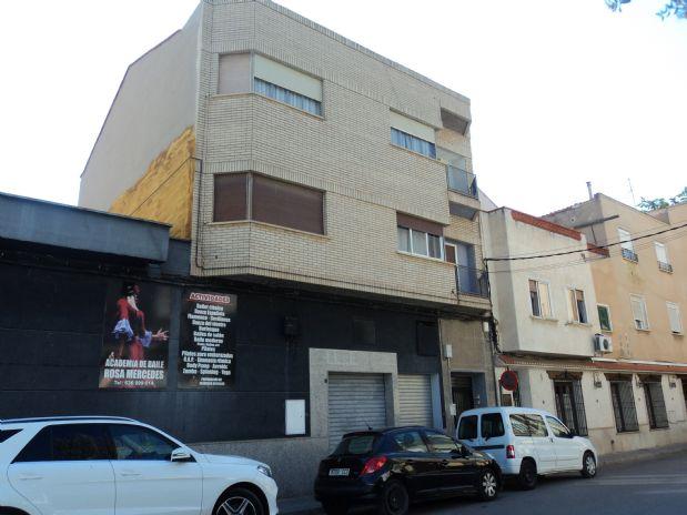 Piso en venta en Tomelloso, Ciudad Real, Calle Orense, 50.000 €, 3 habitaciones, 2 baños, 130 m2