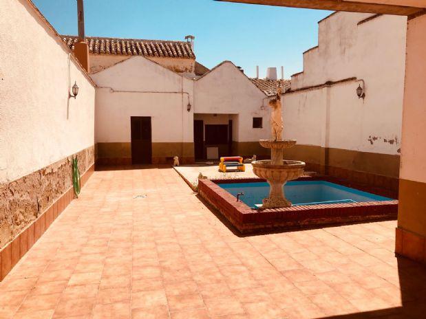 Casa en venta en Tomelloso, Ciudad Real, Calle Colon, 90.000 €, 3 habitaciones, 2 baños, 210 m2