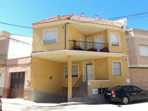 Casa en venta en Tomelloso, Ciudad Real, Calle San Pablo, 240.000 €, 5 habitaciones, 4 baños, 400 m2