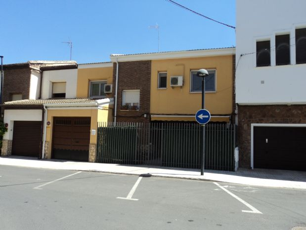 Casa en venta en Tomelloso, Ciudad Real, Calle Jose María Torres, 180.000 €, 5 habitaciones, 2 baños, 220 m2