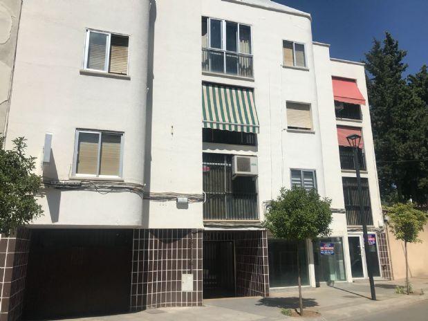 Piso en venta en Tomelloso, Ciudad Real, Calle Concordia, 42.000 €, 3 habitaciones, 2 baños, 105 m2