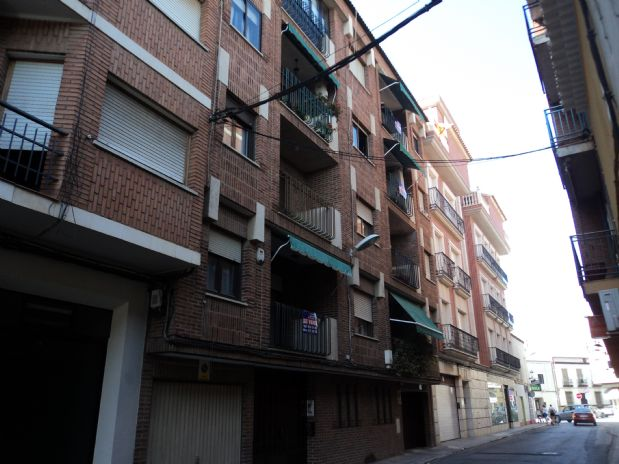 Piso en venta en Tomelloso, Ciudad Real, Calle Jose María Serna, 65.000 €, 4 habitaciones, 2 baños, 154 m2