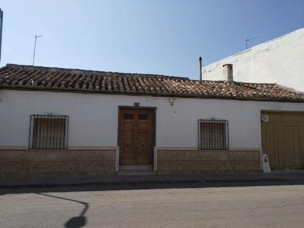 Casa en venta en Tomelloso, Ciudad Real, Calle San Roque, 126.000 €, 438 m2