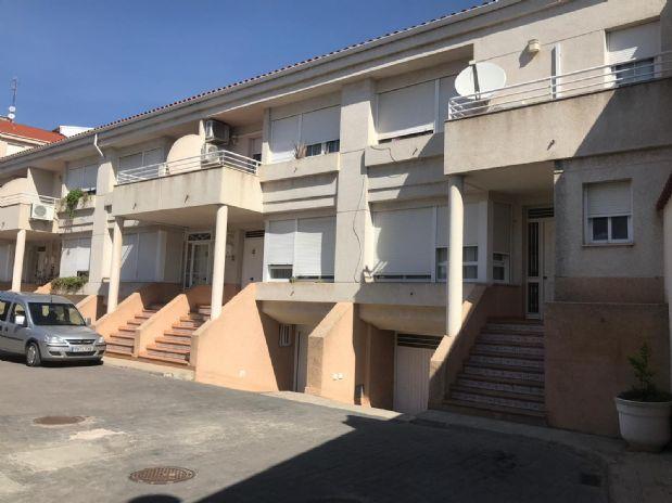 Casa en venta en Tomelloso, Ciudad Real, Calle Socuellamos, 100.000 €, 3 habitaciones, 2 baños, 180 m2