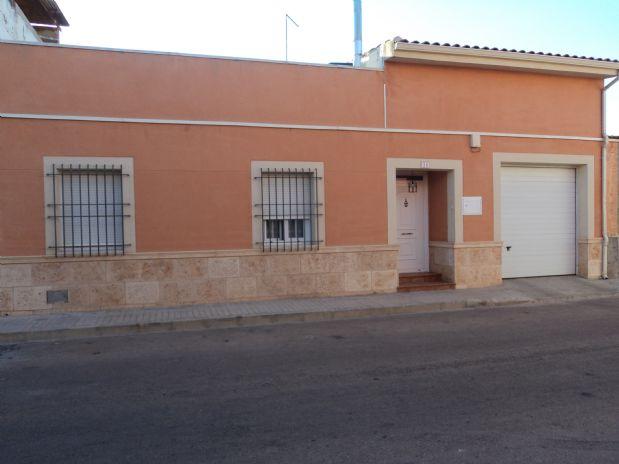 Casa en venta en Tomelloso, Ciudad Real, Calle Perez Galdos, 100.000 €, 4 habitaciones, 1 baño, 165 m2