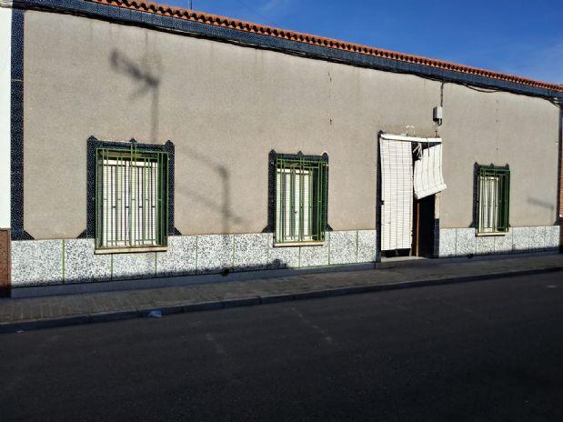 Casa en venta en Tomelloso, Ciudad Real, Calle Galindo, 65.000 €, 4 habitaciones, 1 baño, 200 m2