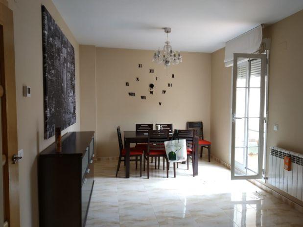 Piso en venta en Tomelloso, Ciudad Real, Calle Socuellamos, 95.000 €, 2 habitaciones, 2 baños, 82 m2