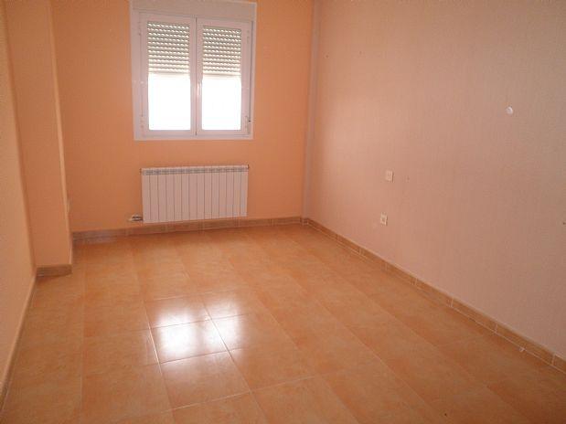 Piso en venta en Tomelloso, Ciudad Real, Calle Noguera, 95.000 €, 2 habitaciones, 2 baños, 92 m2