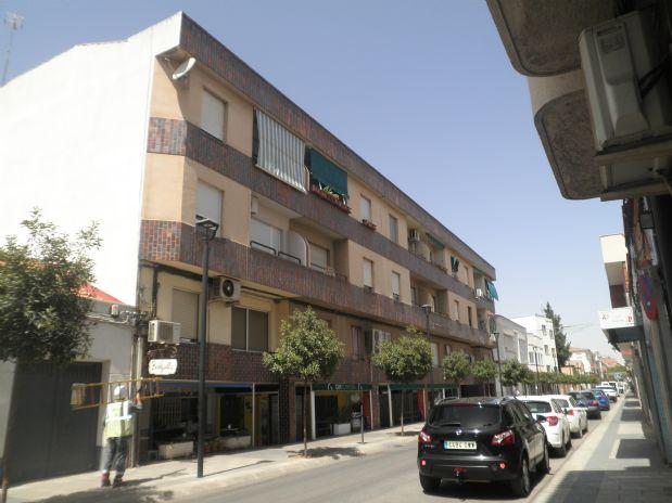 Piso en alquiler en Tomelloso, Ciudad Real, Avenida Don Antonio Huertas, 300 €, 3 habitaciones, 2 baños, 100 m2