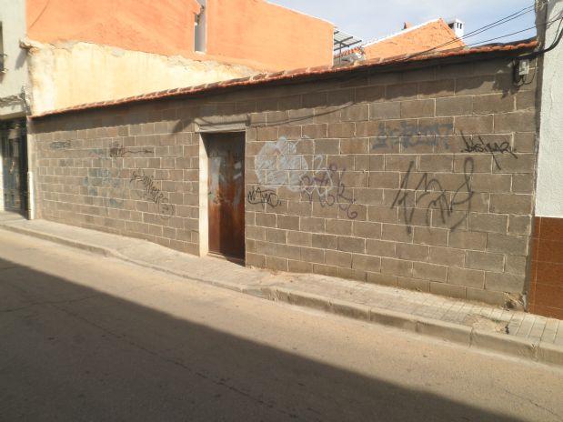 Suelo en venta en Tomelloso, Ciudad Real, Calle Alcazar, 135.000 €, 305 m2