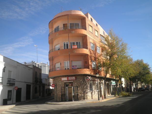 Piso en venta en Tomelloso, Ciudad Real, Calle Doña Crisanta, 66.000 €, 4 habitaciones, 1 baño, 121 m2