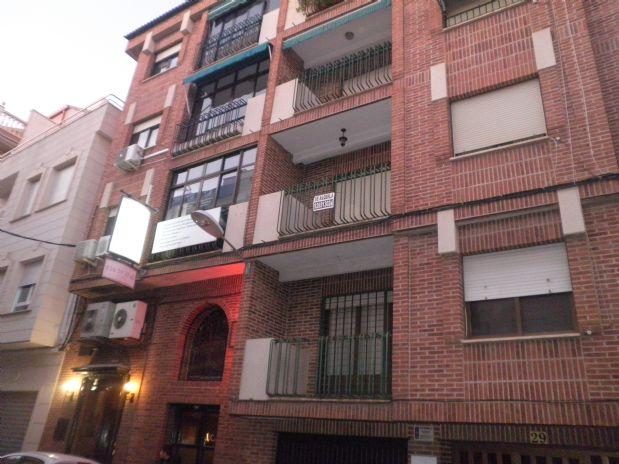 Piso en venta en Tomelloso, Ciudad Real, Calle Pintor Lopez Torres, 90.000 €, 4 habitaciones, 2 baños, 150 m2