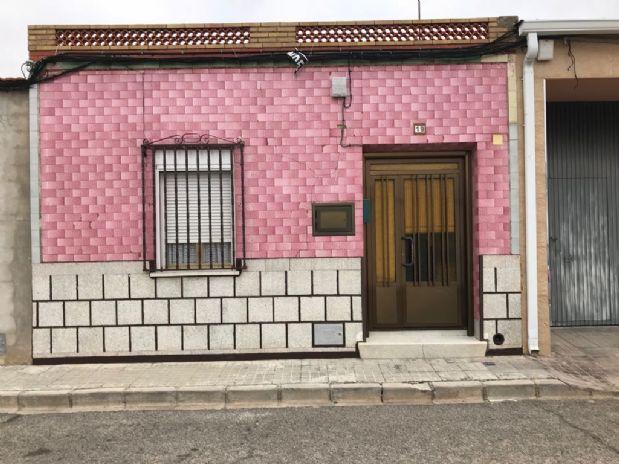 Casa en venta en Tomelloso, Ciudad Real, Calle Maria de los Angeles, 40.000 €, 2 habitaciones, 2 baños, 122 m2