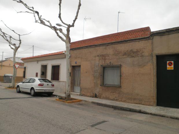 Casa en venta en Tomelloso, Ciudad Real, Calle Asunción Cepeda, 60.000 €, 3 habitaciones, 1 baño, 120 m2