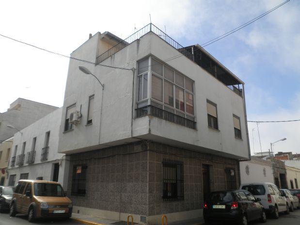 Casa en venta en Tomelloso, Ciudad Real, Calle Canalejas, 60.000 €, 5 habitaciones, 2 baños, 180 m2