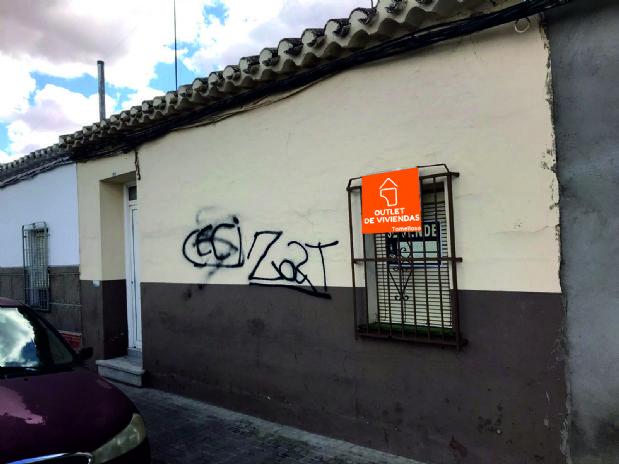 Casa en venta en Tomelloso, Ciudad Real, Calle San Roque, 48.000 €, 4 habitaciones, 1 baño, 166 m2