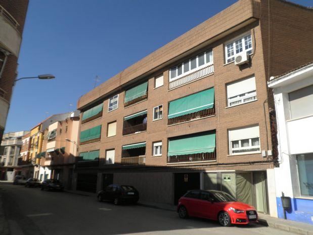 Piso en venta en Tomelloso, Ciudad Real, Calle Lepanto, 46.000 €, 3 habitaciones, 1 baño, 110 m2