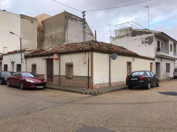Casa en venta en Tomelloso, Ciudad Real, Calle Santa Maria, 90.000 €, 180 m2