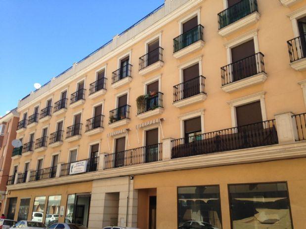 Piso en venta en Tomelloso, Ciudad Real, Calle Campo, 70.000 €, 2 habitaciones, 2 baños, 75 m2