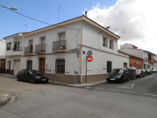 Casa en venta en Tomelloso, Ciudad Real, Calle Dulcinea, 133.000 €, 6 habitaciones, 2 baños, 190 m2