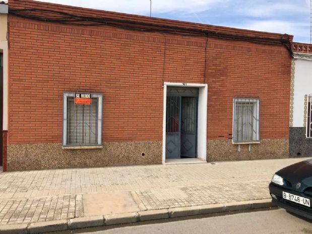 Casa en venta en Tomelloso, Ciudad Real, Calle Oriente, 90.000 €, 6 habitaciones, 1 baño, 280 m2