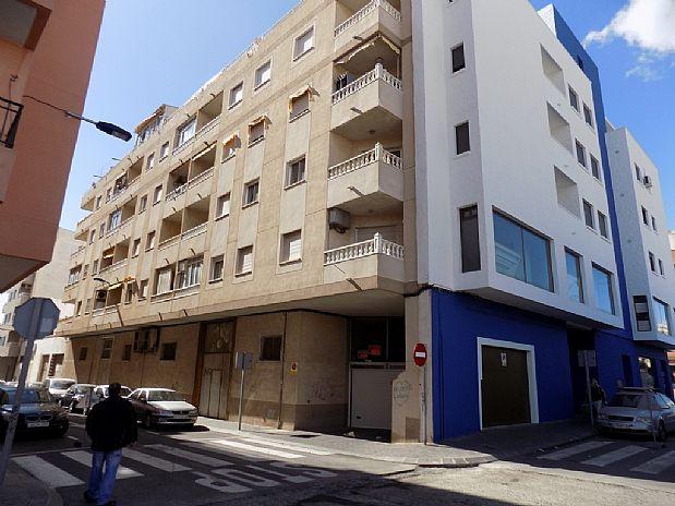 Piso en venta en Centro Dos, Torrevieja, Alicante, Calle Apolo, 69.000 €, 2 habitaciones, 1 baño, 74 m2