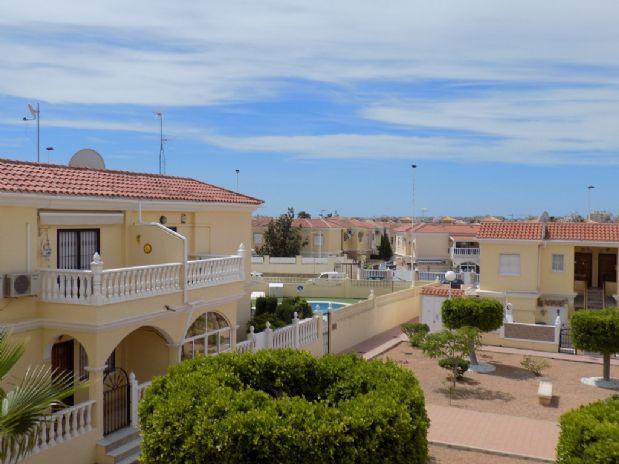 Casa en venta en Aguas Nuevas, Torrevieja, Alicante, Calle Licenciado Vidriera, 75.000 €, 2 habitaciones, 1 baño, 66 m2