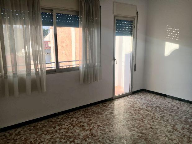 Casa en venta en Olesa de Montserrat, Barcelona, Calle de Dalt, 210.000 €, 6 habitaciones, 2 baños, 183 m2