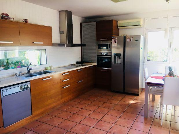 Casa en venta en Esparreguera, Barcelona, Calle Pau Claris, 255.000 €, 4 habitaciones, 2 baños, 197 m2