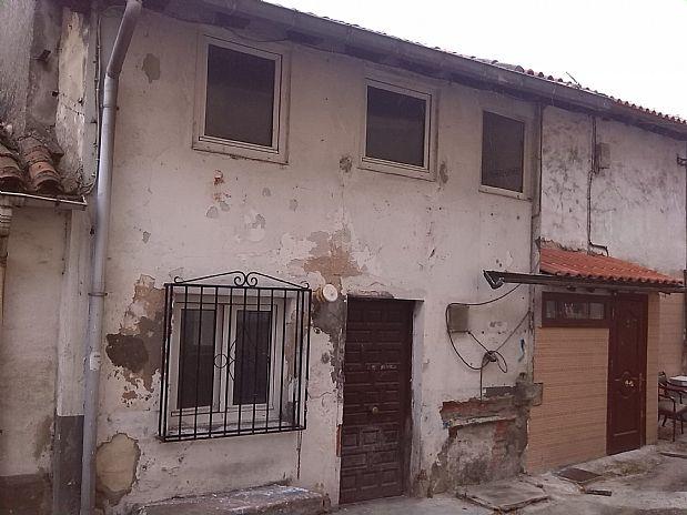 Casa en venta en Los Corrales de Buelna, Cantabria, Calle Almirante Pero Niño, 22.000 €, 76 m2