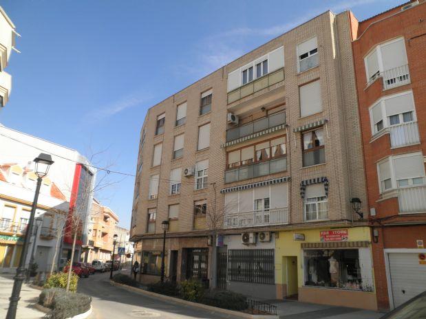 Piso en venta en Tomelloso, Ciudad Real, Plaza del Arcipreste, 136.500 €, 4 habitaciones, 2 baños, 165 m2