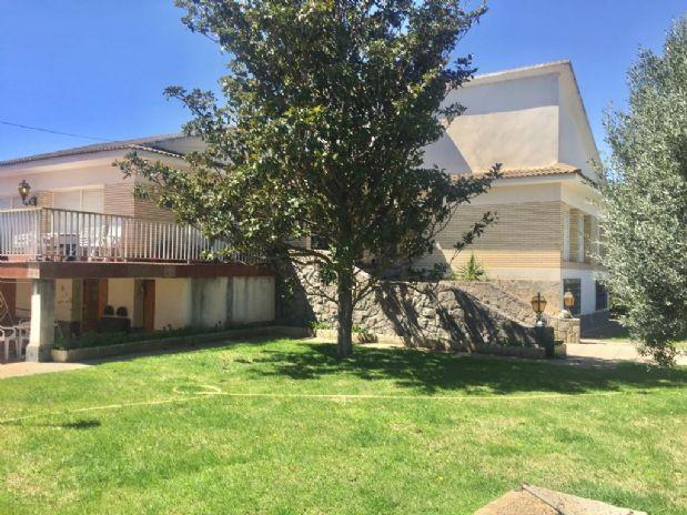 Casa en venta en Alto de la Muela, la Muela, Zaragoza, Calle Rio Isabena, 215.000 €, 6 habitaciones, 2 baños, 400 m2