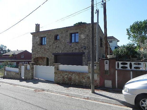 Casa en venta en Caldes de Malavella, Girona, Calle Alta Ribagorça, 300.000 €, 4 habitaciones, 2 baños, 195,7 m2