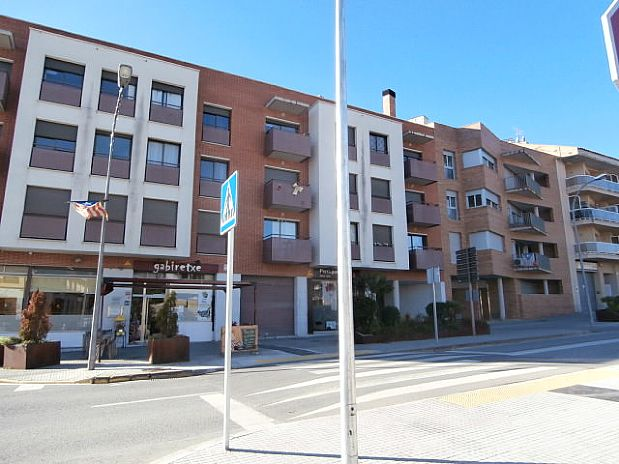 Piso en venta en Sant Quintí de Mediona, Barcelona, Avenida Montserrat, 117.000 €, 3 habitaciones, 1 baño, 131 m2