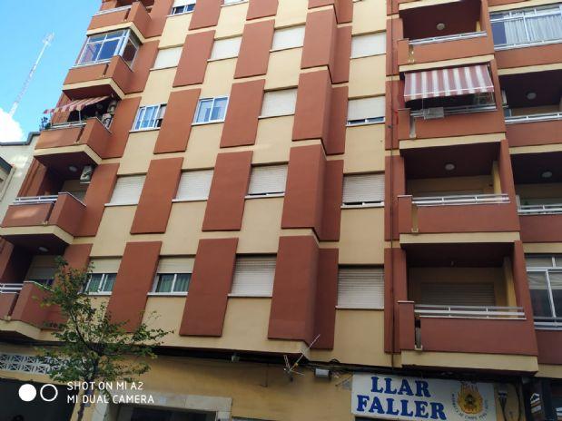 Piso en venta en Gandia, Valencia, Calle Cardenal Cisneros, 63.258 €, 4 habitaciones, 2 baños, 116 m2