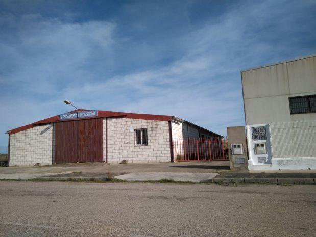 Industrial en venta en Trujillo, Cáceres, Calle Li, Pg Arroyocaballo (null), Pt:, 129.000 €, 24 m2