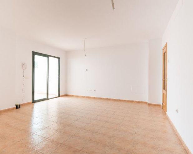 Piso en alquiler en Coín, Málaga, Avenida Velazquez, 590 €, 3 habitaciones, 2 baños, 95 m2
