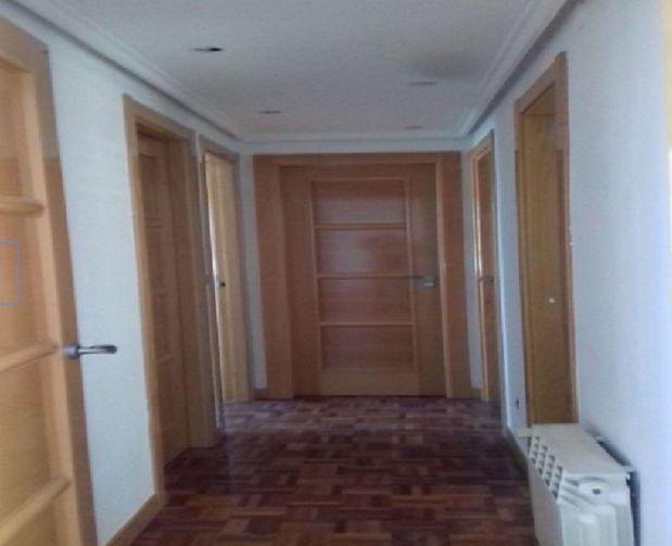 Piso en venta en Vitoria-gasteiz, Álava, Calle Antonio Machado, 75.000 €, 3 habitaciones, 2 baños, 111 m2