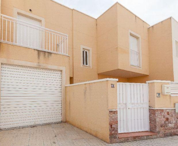 Casa en alquiler en El Ejido, Almería, Calle Engarpe, 465 €, 4 habitaciones, 2 baños, 129 m2