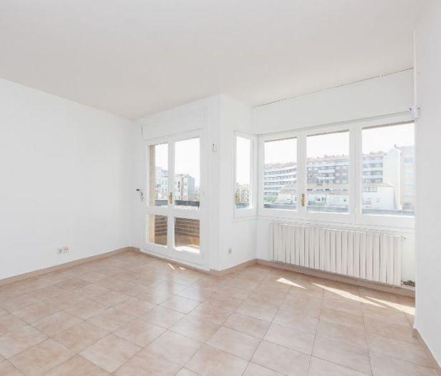 Piso en alquiler en Manresa, Barcelona, Calle Bernat de Cabrera, 595 €, 4 habitaciones, 2 baños, 105 m2