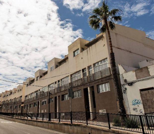 Piso en alquiler en Arucas, Las Palmas, Calle Pintor Velazque, 545 €, 3 habitaciones, 2 baños, 151 m2