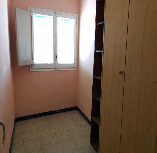 Piso en venta en Santa Margarida de Montbui - Sant Maure, Santa Margarida de Montbui, Barcelona, Calle Sant Bartomeu, 68.250 €, 4 habitaciones, 1 baño, 75 m2