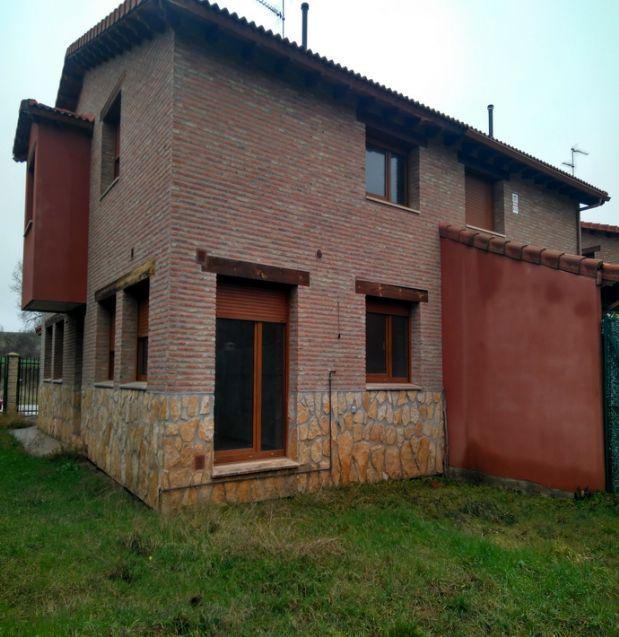 Casa en venta en Valdorros, Burgos, Avenida Burgos, 131.500 €, 4 habitaciones, 3 baños, 146,3 m2