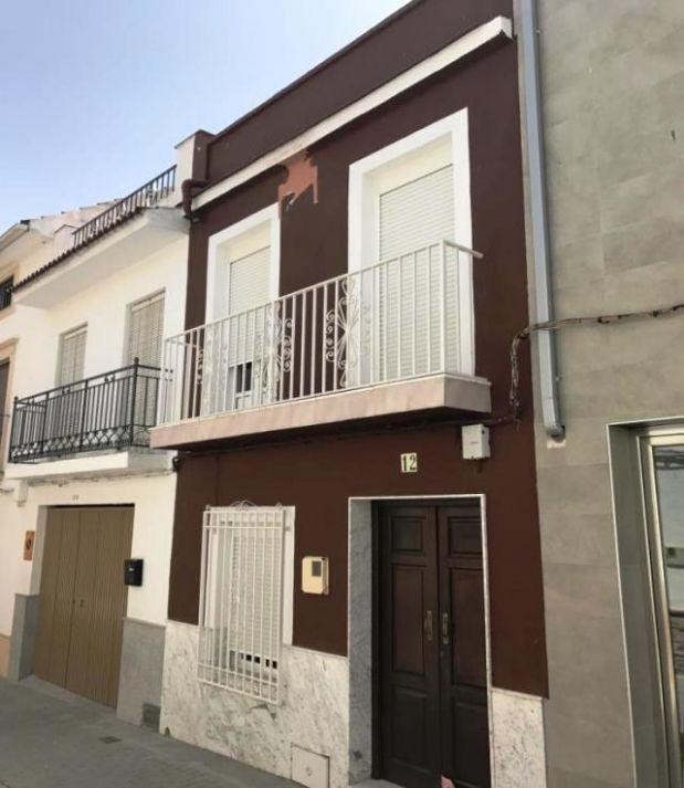 Casa en venta en Moriles, Córdoba, Calle Canalejas, 83.200 €, 4 habitaciones, 2 baños, 142,19 m2