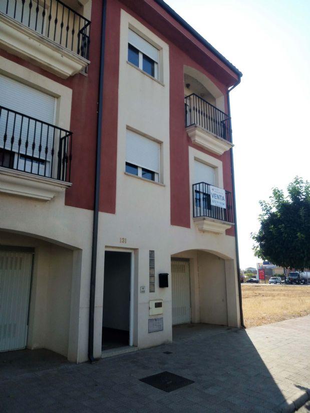 Casa en venta en Moraleja, Cáceres, Avenida Pureza Canelo, 92.100 €, 3 habitaciones, 1 baño, 156,23 m2