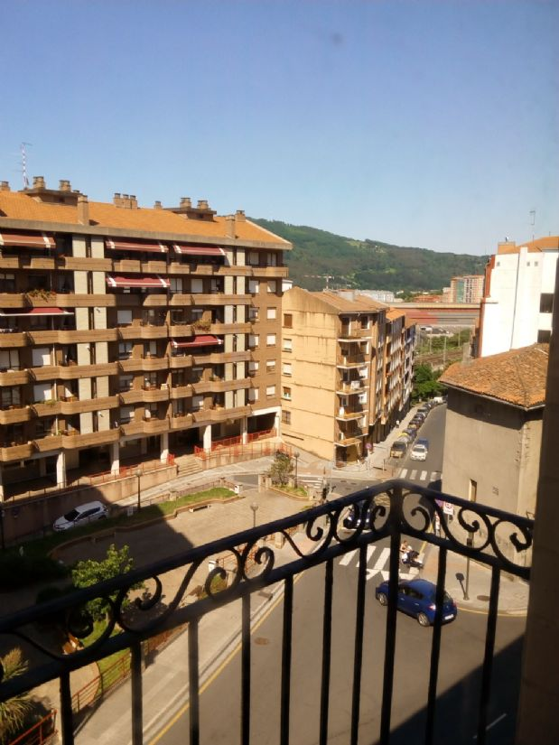 Piso en venta en Basauri, Vizcaya, Calle Kareaga Goikoa, 104.000 €, 2 habitaciones, 1 baño, 71,23 m2